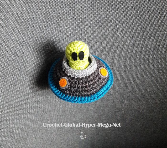 Alien (2)